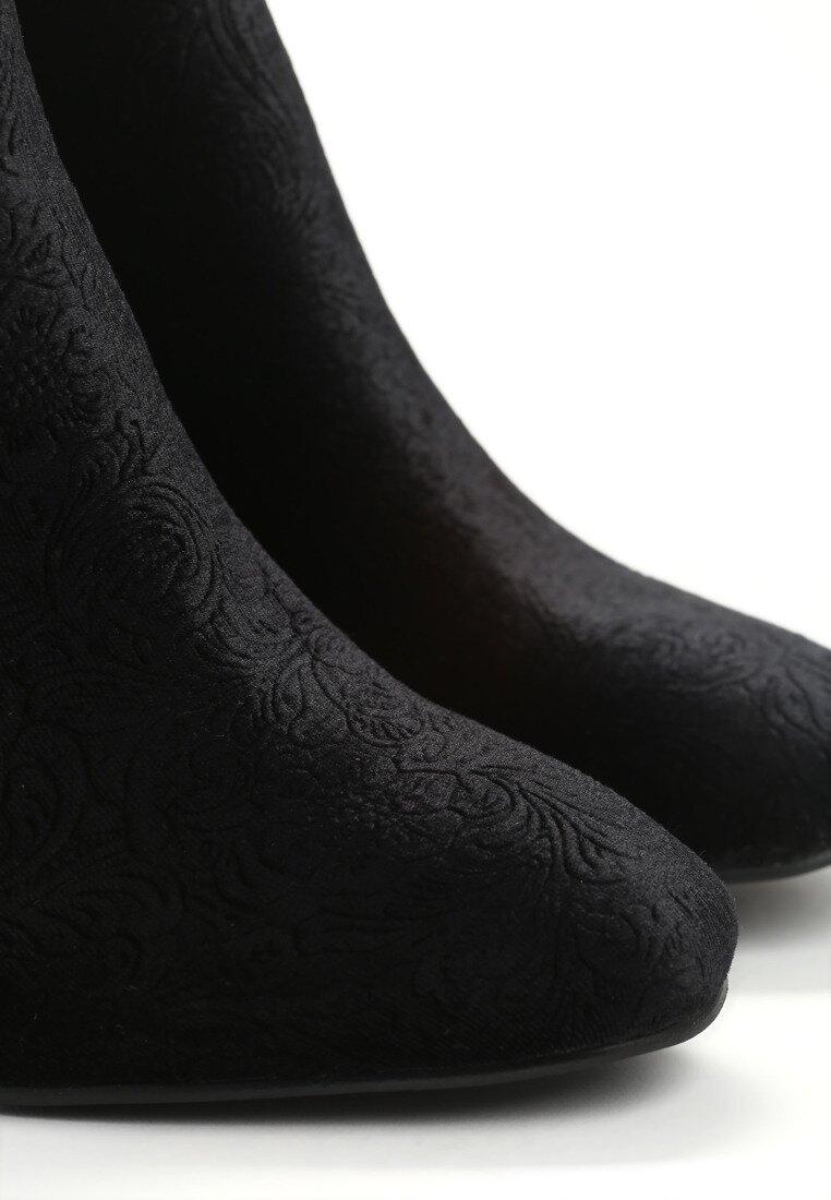 Czarne Botki Carvings