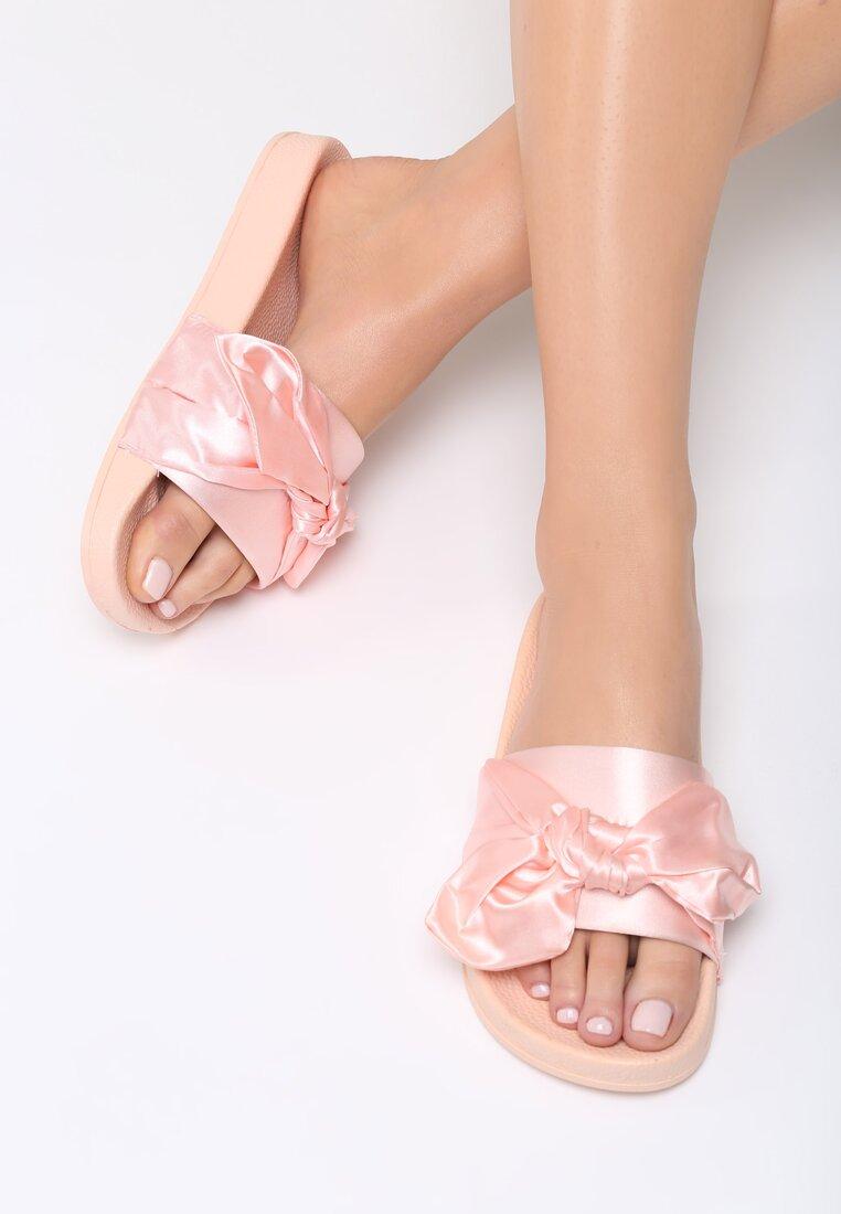 Różowe Klapki Tranquill