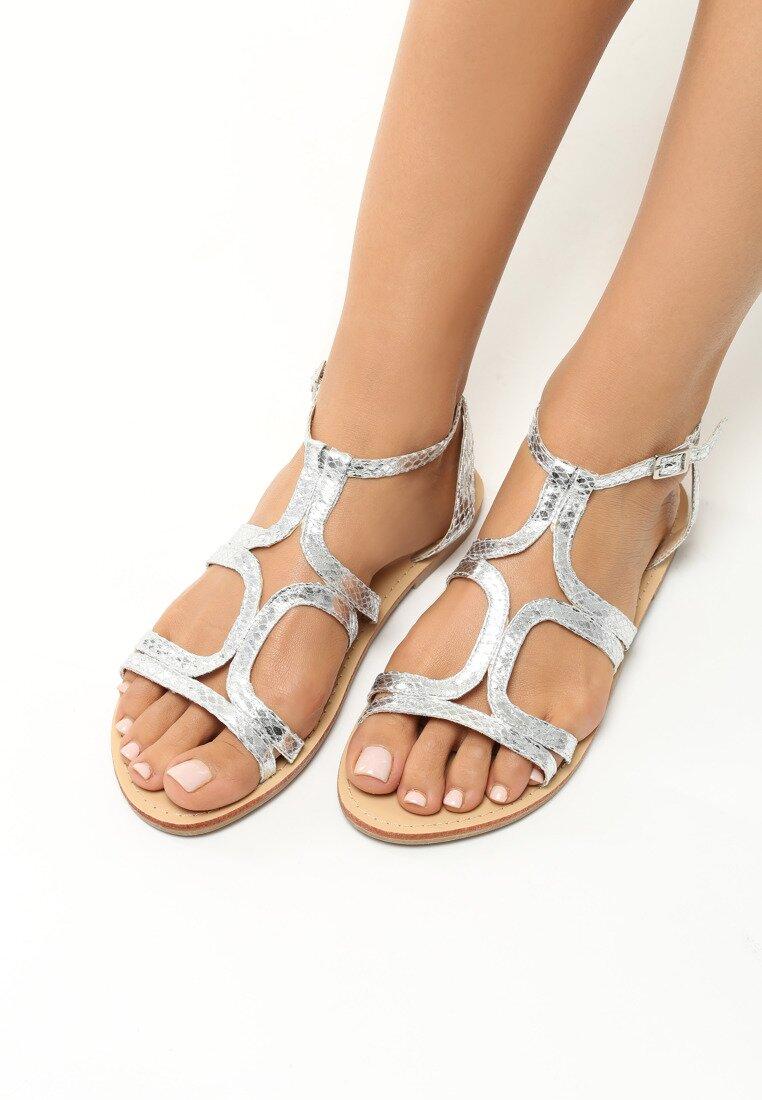 Srebrne Sandały Paraboles