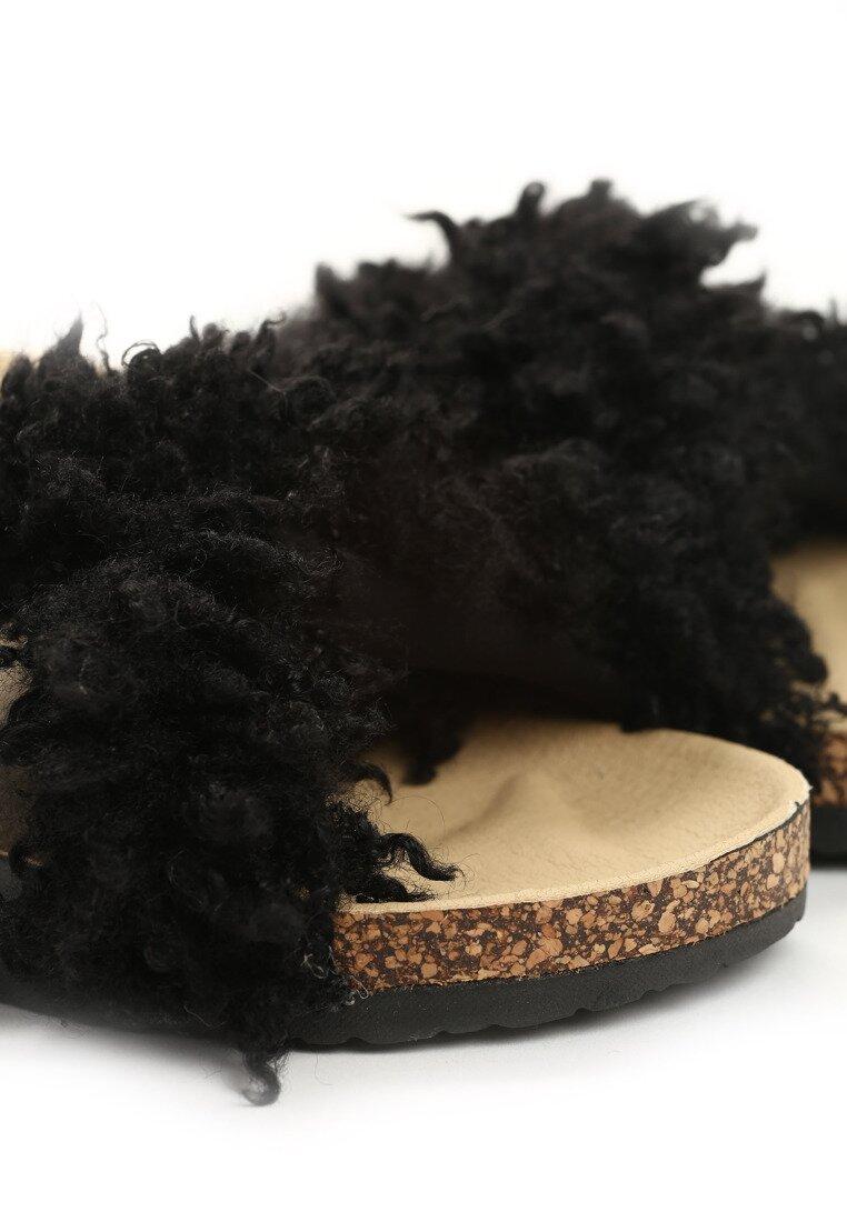 Czarne Klapki Terrier
