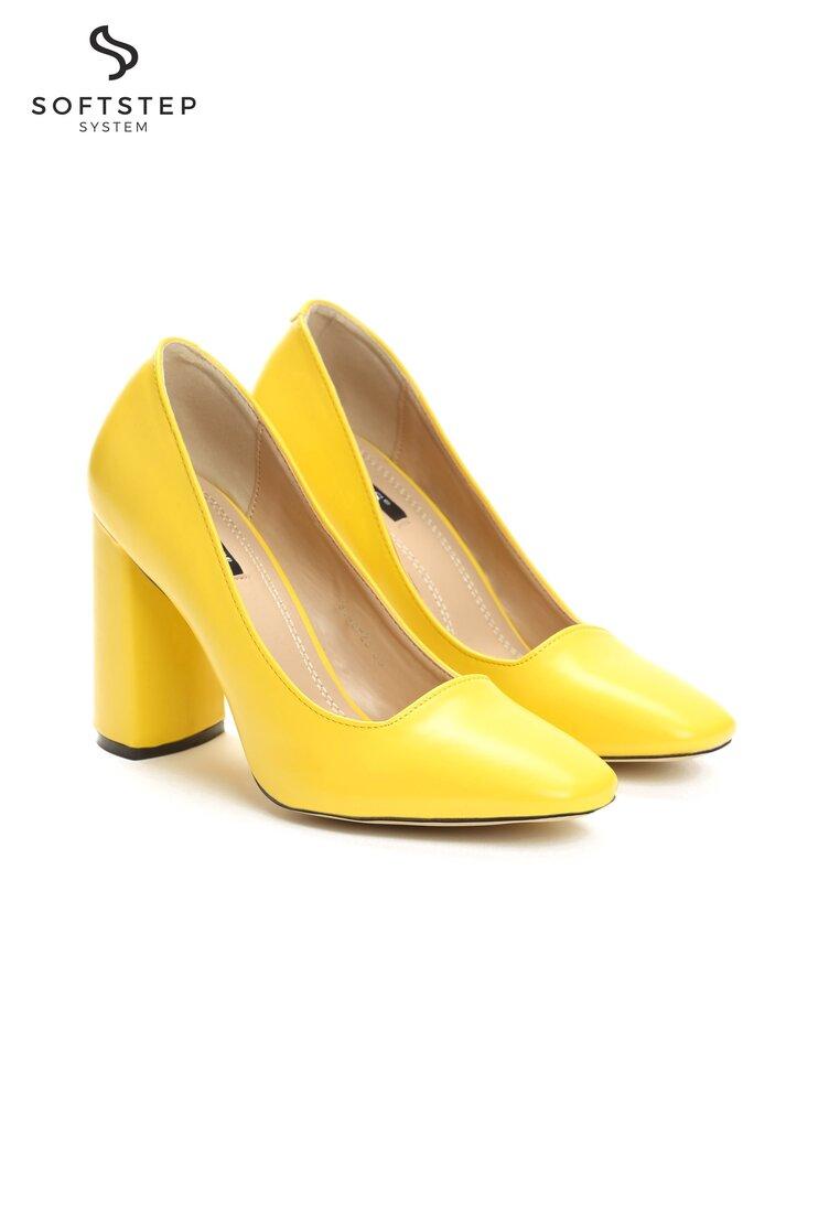 Żółte Czółenka Bodice Ripper