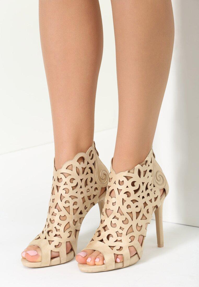 Beżowe Sandały Holey