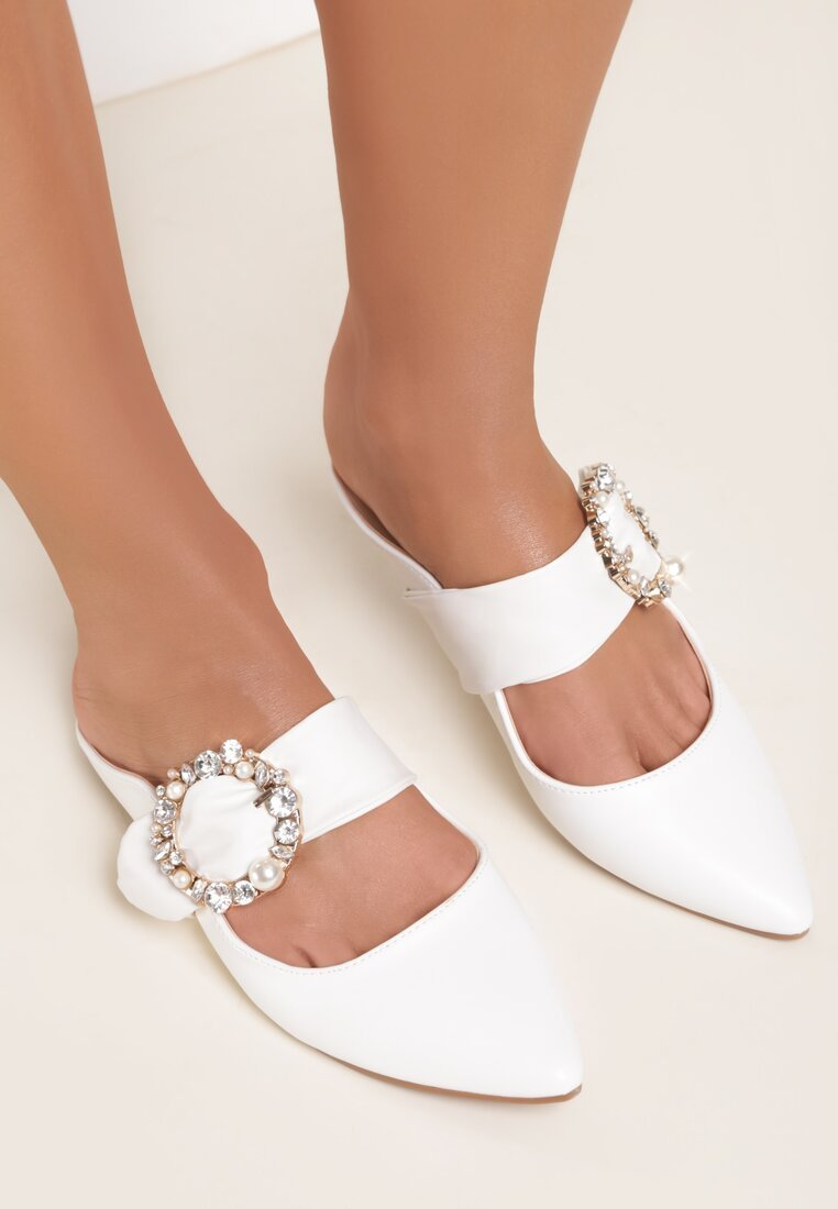 Białe Klapki Jasmine