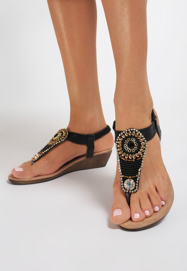 Czarne Sandały Answers