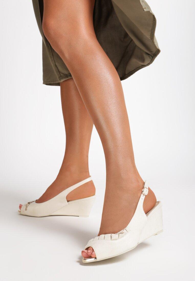 Beżowe Sandały You Can Look
