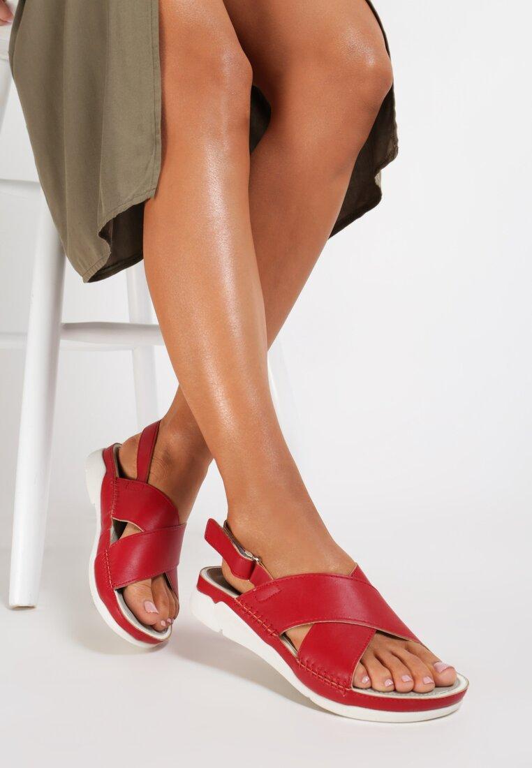 Czerwone Sandały Safe Place