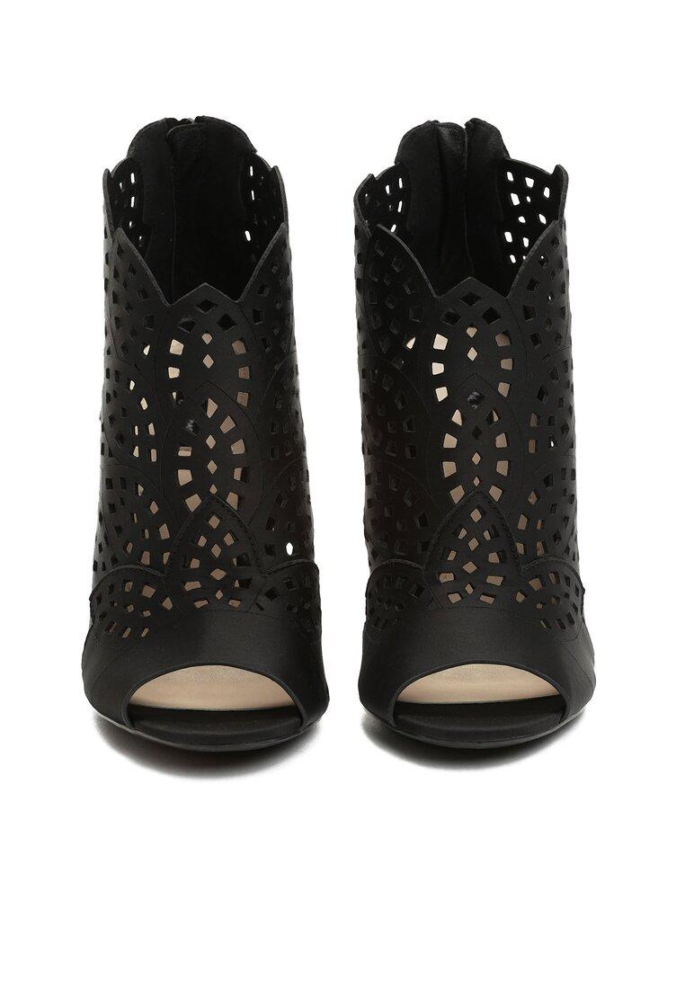 Czarne Sandały You Look