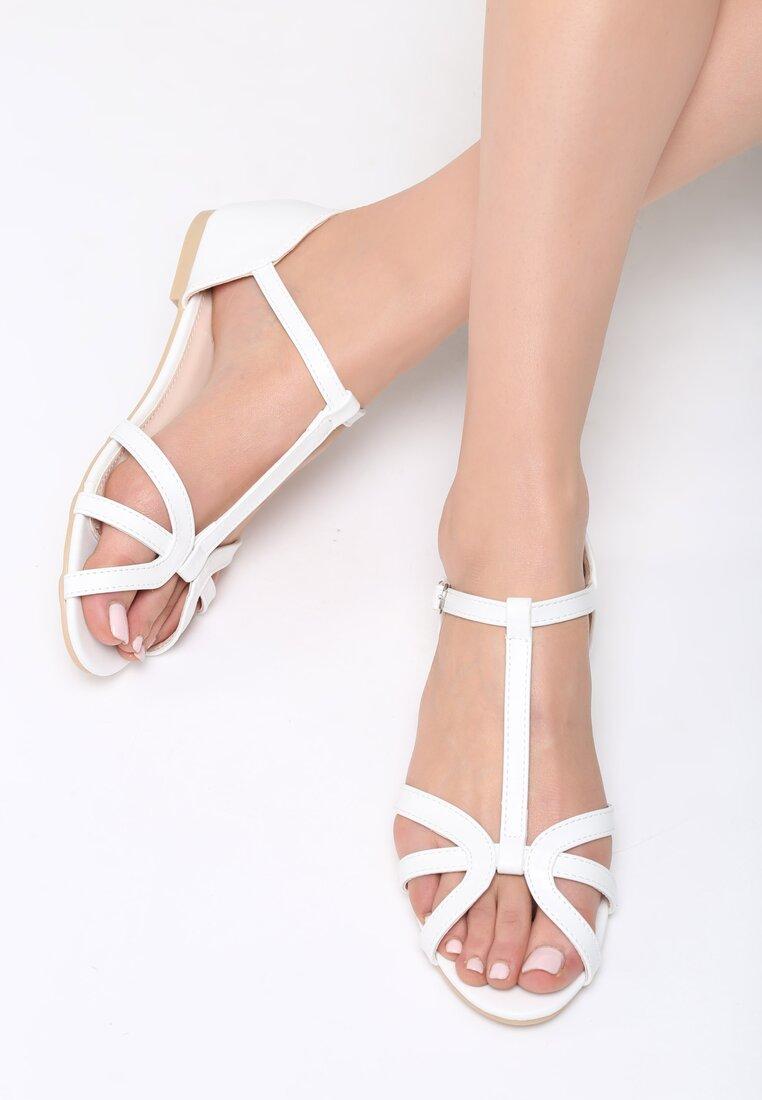 Białe Sandały Lash Out