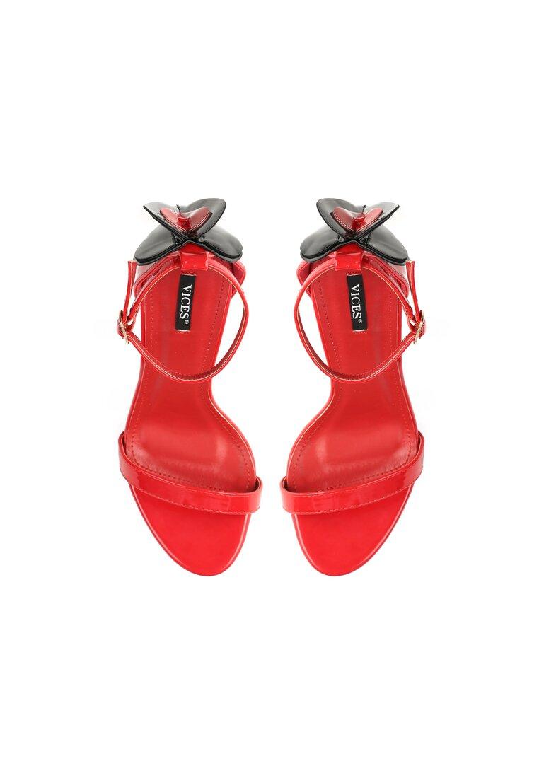Czerwone Sandały Russian Roulette