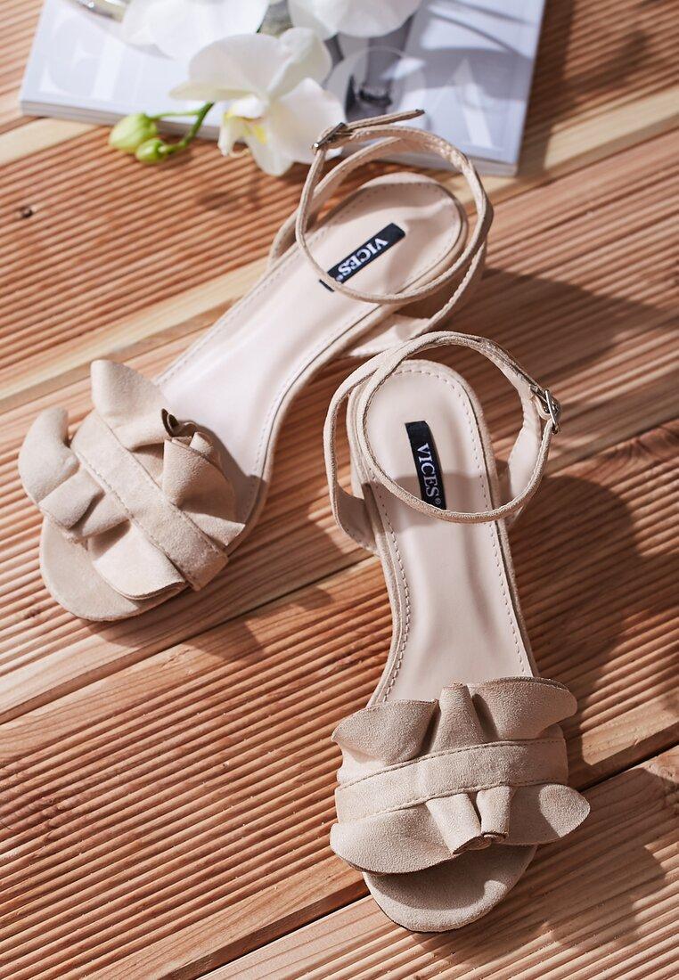 Beżowe Sandały Tweet