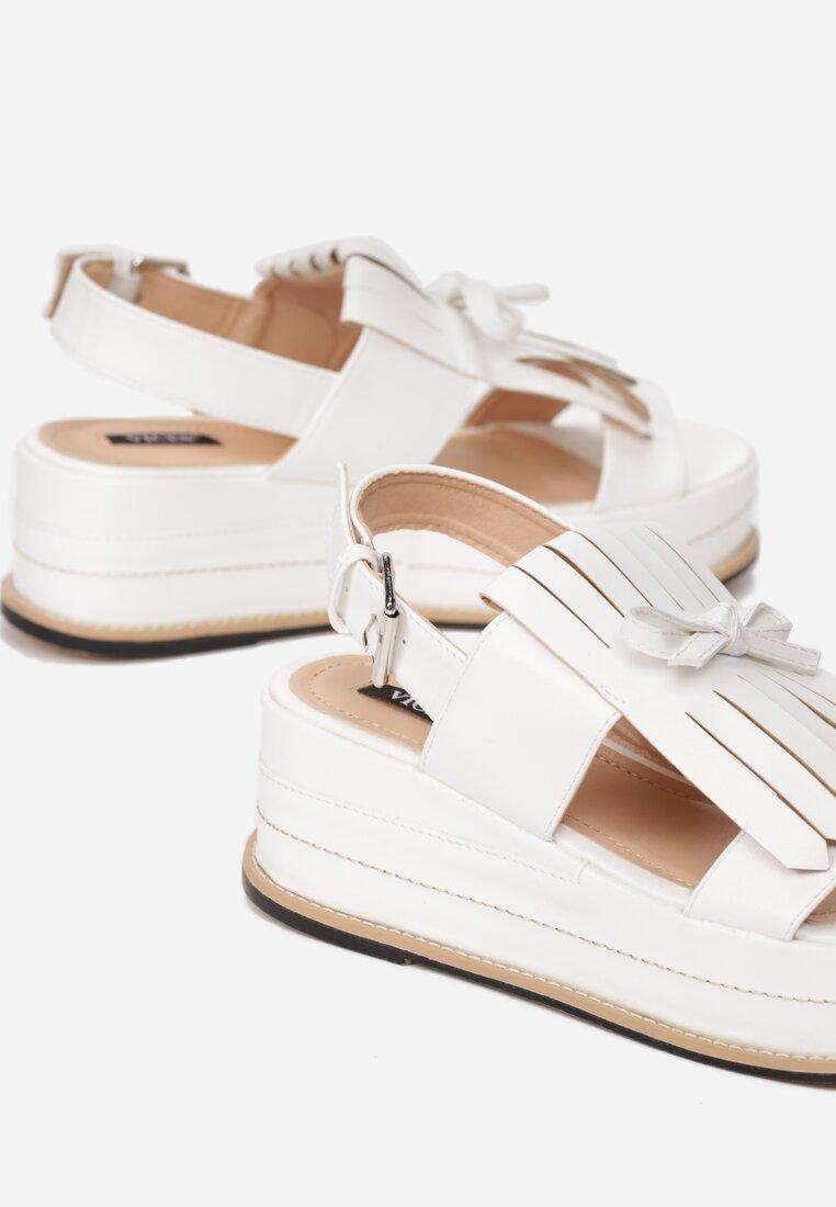 Białe Sandały Outrageous