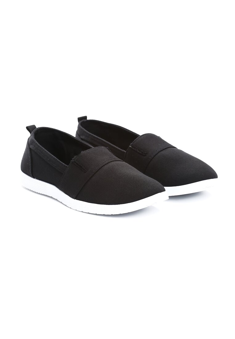 Czarne Slip On In The Middle