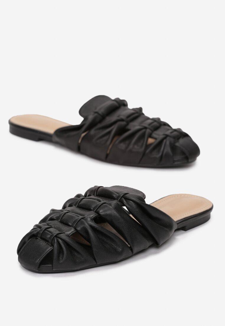 Czarne Klapki Thistle