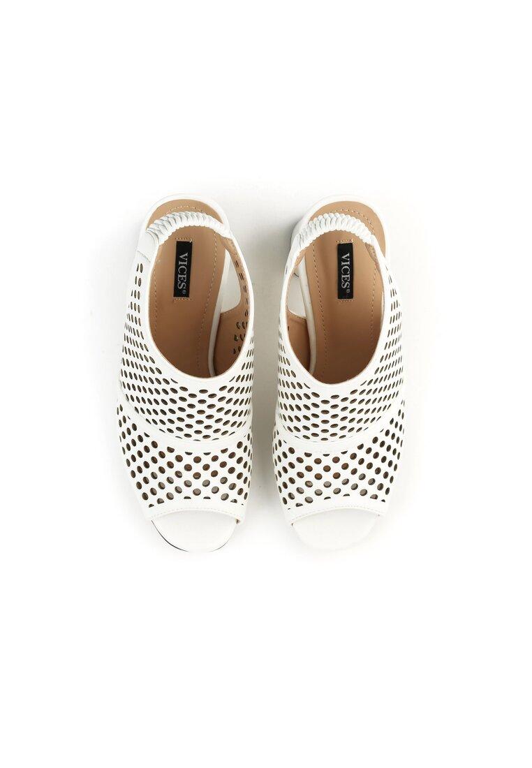 Białe Sandały The Inicident
