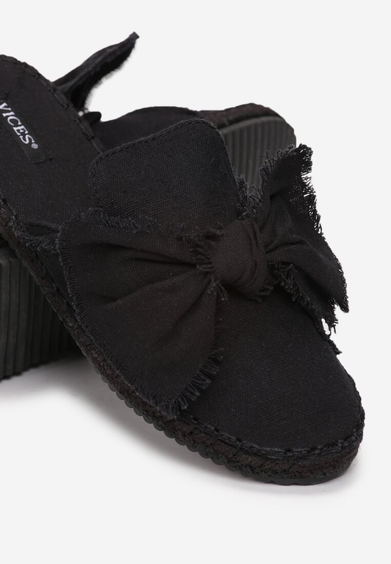 Czarne Klapki Persimmon