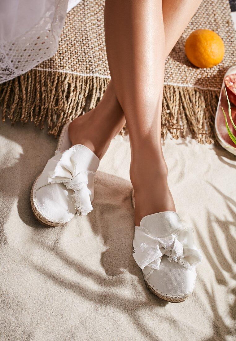 Białe Klapki Persimmon
