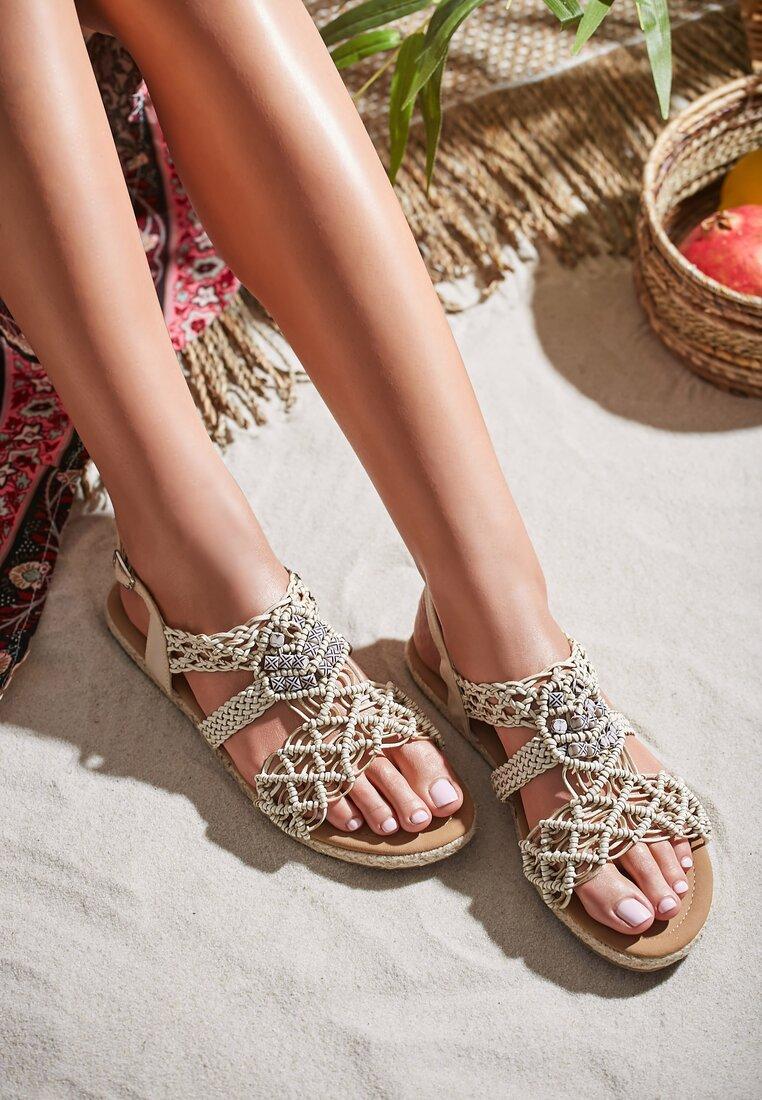 Beżowe Sandały Spiteful