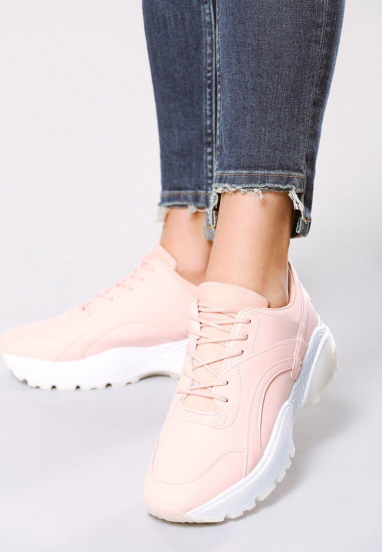 Różowe Sneakersy Backyard